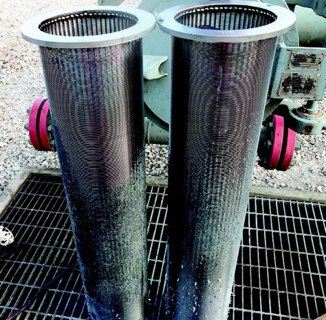 The filter element is a bag-type filter made of 316L stainless steel